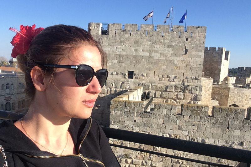 Amalia Enche in Israel (4)