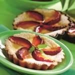Minitarte cu iaurt și prune