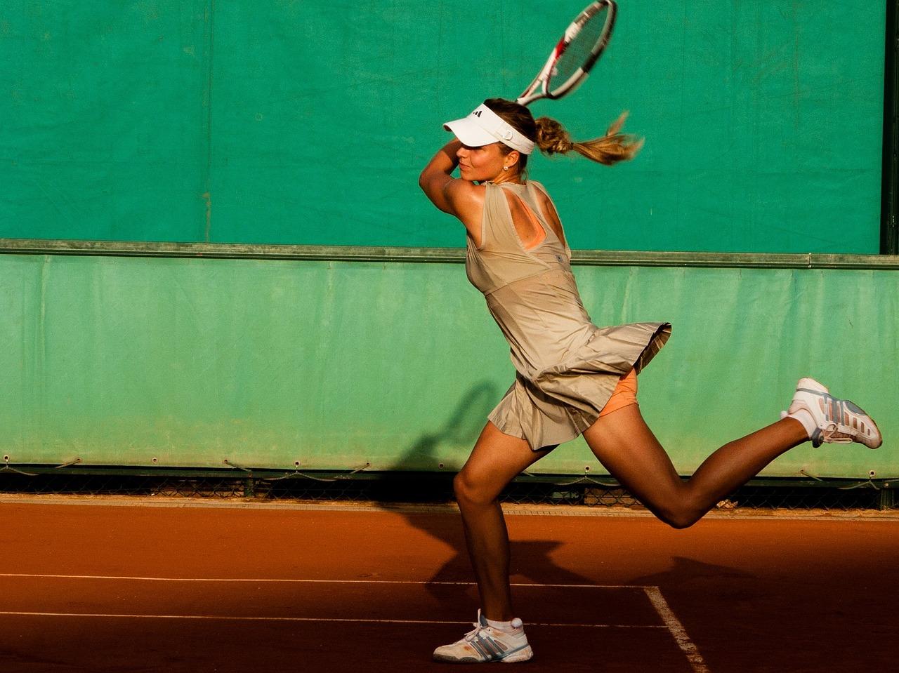 boala jucătorului de tenis la cot)
