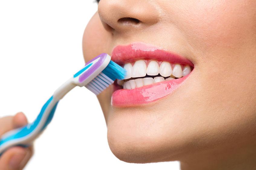 periuta de dinți inteligentă ar putea indica boli cardiace