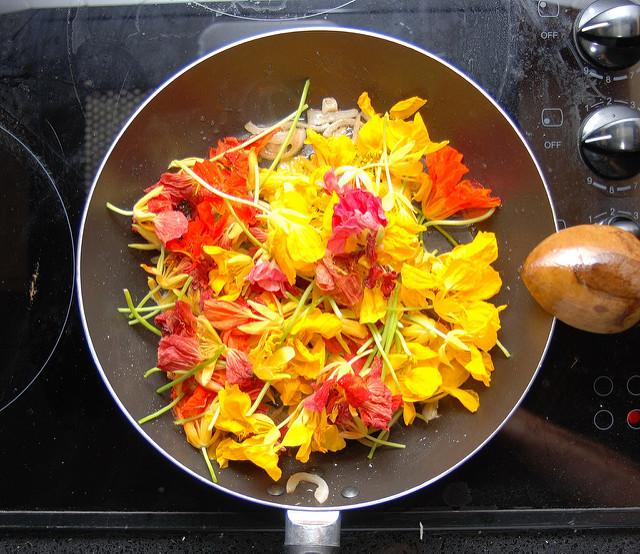 flori comestibile - omleta