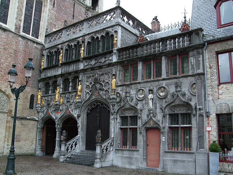 800px-Basilica_of_the_Holy_Blood_-_Saint-Baselius_Chapel,_Bruges,_Belgium.