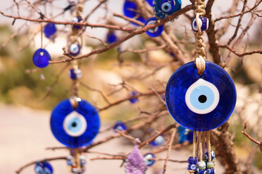 51686320 - evil eye bad on tree