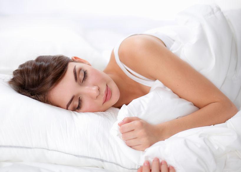 Dacă dormi într-o parte, te relaxezi cel mai bine