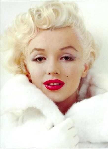 Dieta lui Marilyn Monroe. Ce înghițea actrița în fiecare dimineață pe stomacul gol pentru a-și menține o siluetă de invidiat