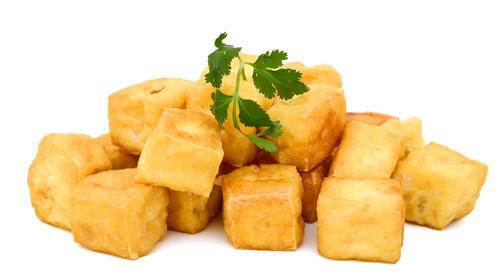 Tofu puțin prăjit și dat prin pesmet sau condimente este mult mai gustos