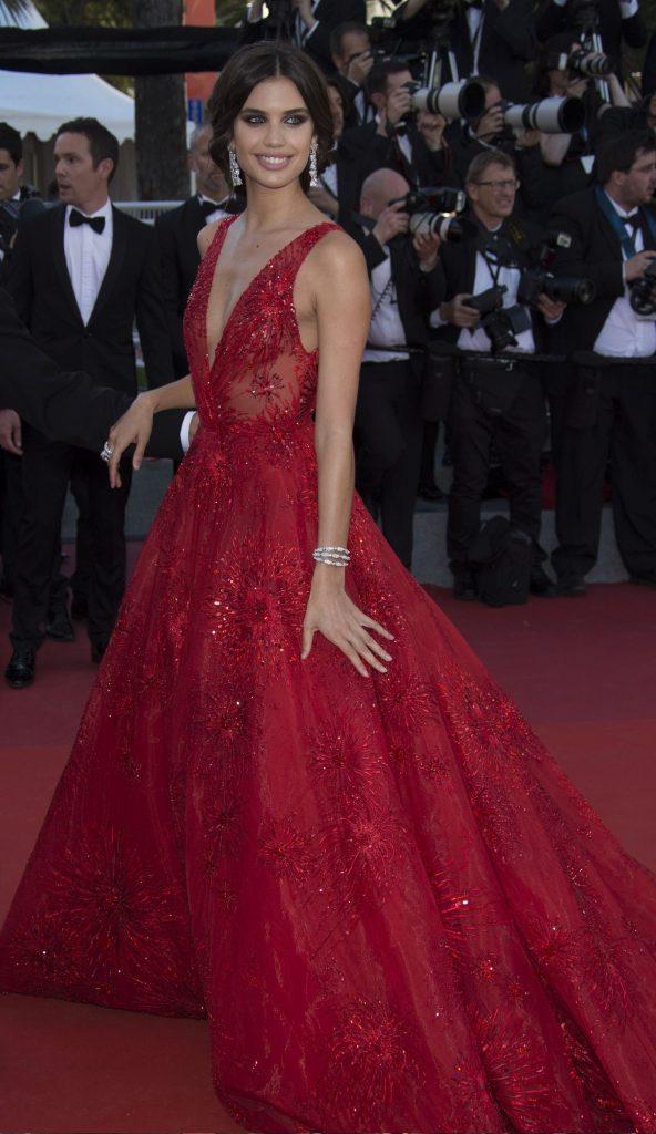 Vedetele s-au întrecut în ținute spectaculoase la Cannes, dar Susan Sarandon a atras toate privirile. Este superbă la 70 de ani