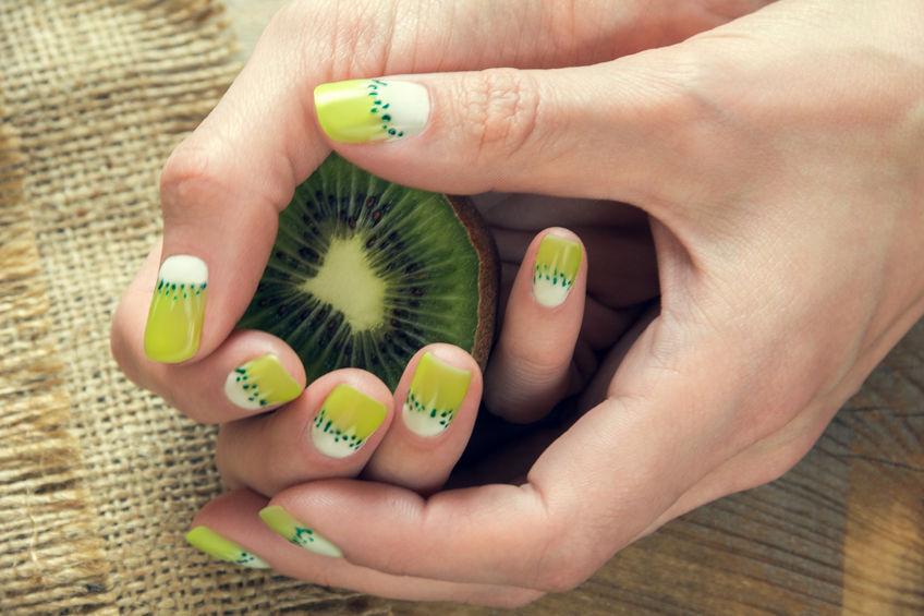 Manichiuri cu fructe pentru zile însorite