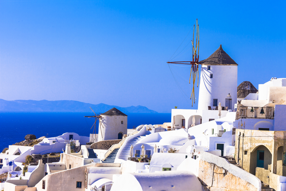 Santorini. Morile de vânt sunt la fel de celebre ca cele din Olanda