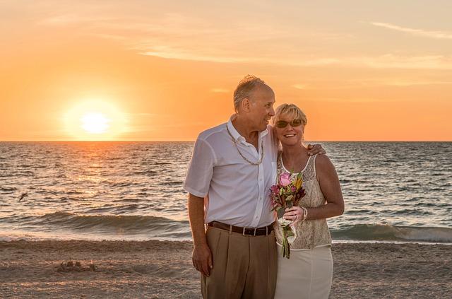 Întâlniri cu bătrâni: aflați avantajele și dezavantajele diferenței de vârstă - Relaţii -
