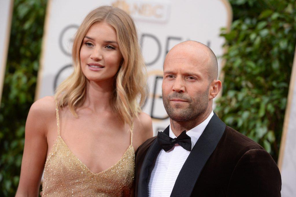 Actorul Jason Statham și fotomodelul Rosie Huntington-Whiteley au devenit părinți. Prima poză cu băiețelul