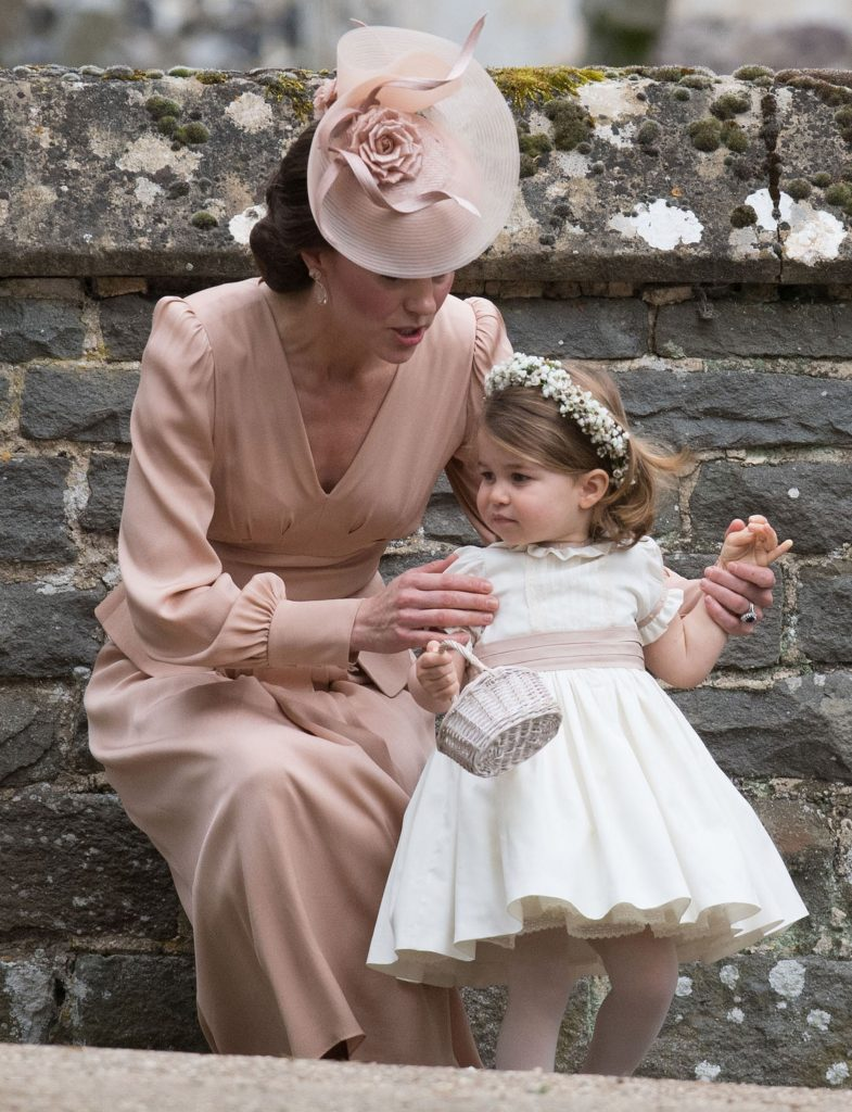 """Kate Middleton a vorbit deschis despre modul în care își crește copiii: """"Eu și William vrem să-i învățăm pe copiii noștri, George și pe Charlotte, cât de importante sunt aceste lucruri în viață"""