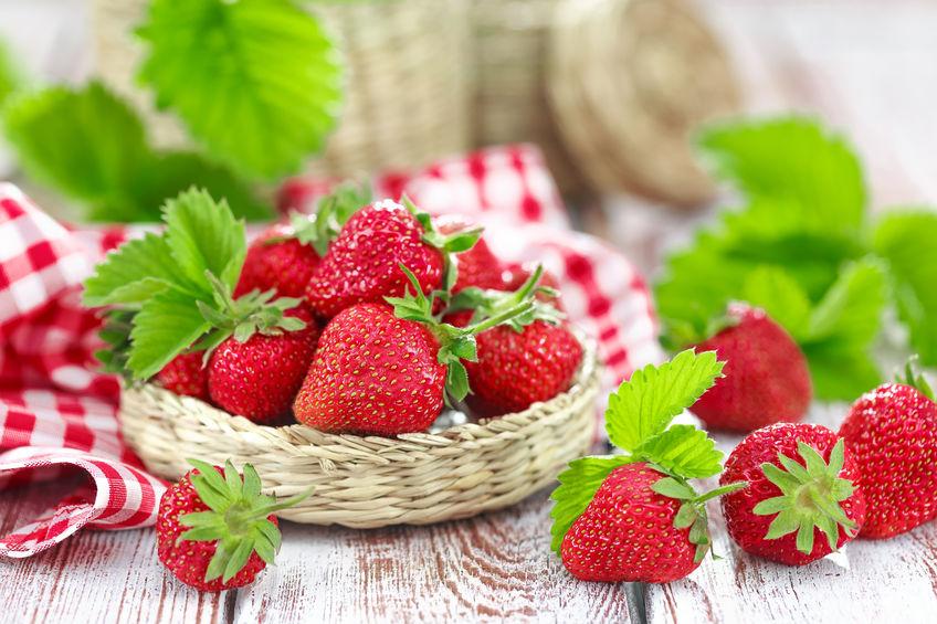Măști de față cu cireșe, căpșune și caise
