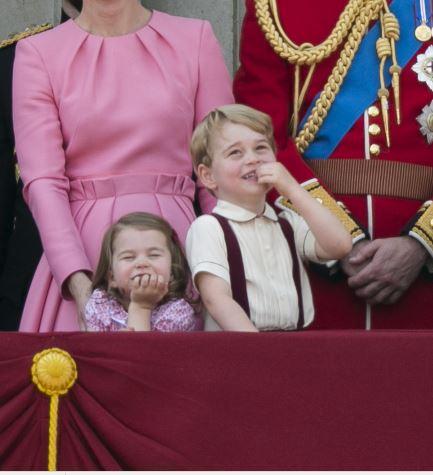 Regina Elisabeta a II-a este topită după micul prinț George. Iată cum își alintă acesta străbunică