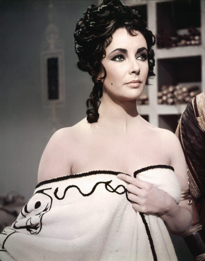 Cum arată singura fiică a lui Elizabeth Taylor! Are 61 de ani și niște ochi superbi