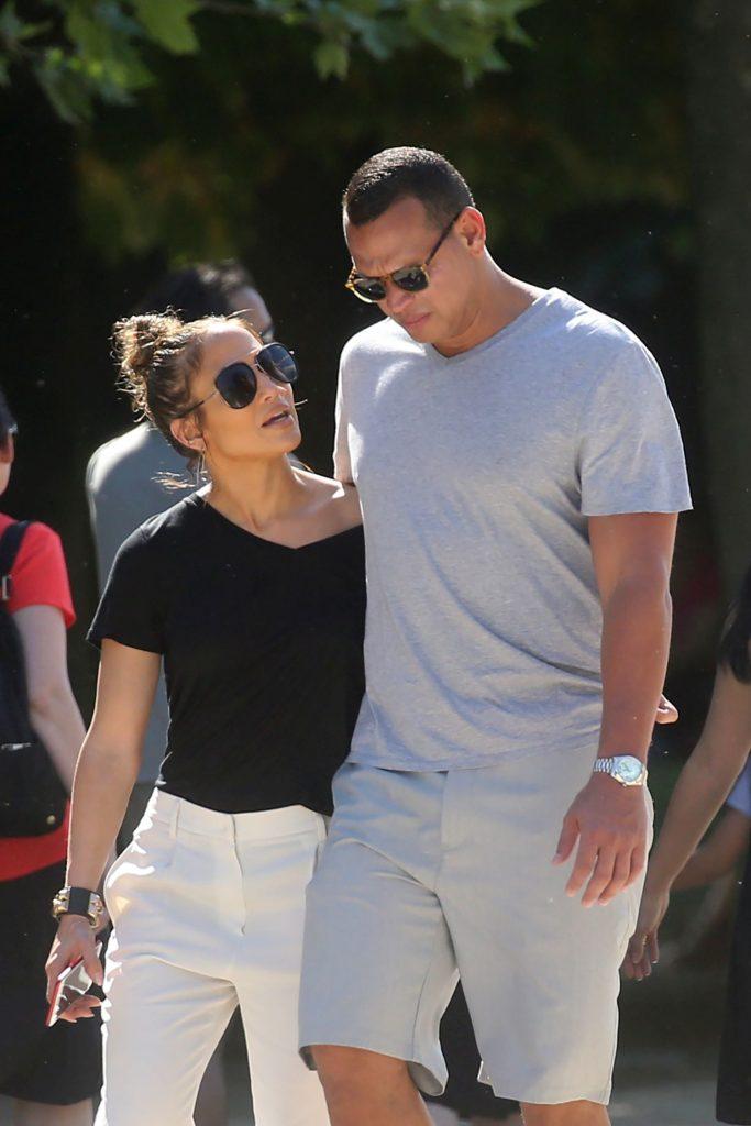 E îndrăgostită ca o adolescentă. Jennifer Lopez se mărită a patra oară la 48 de ani