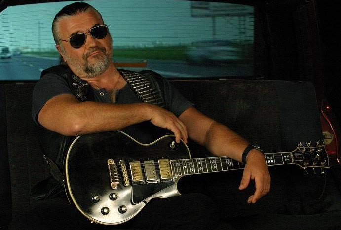 Drama neștiută prin care a trecut celebrul cântăreț Nicu Covaci. Mama lui a fost tăiată în bucăți și arsă