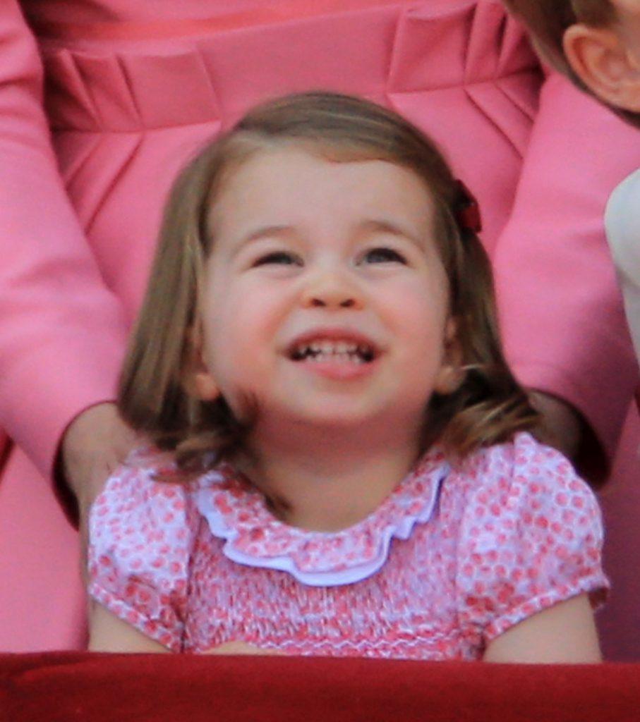 Prințesa Charlotte o moștenește pe regretata ei bunică. La ce se aseamănă perfect cu prințesa Diana.