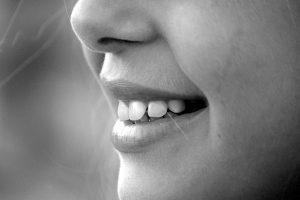 Sănătatea orală – cum previi formarea tartrului pe dinți