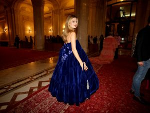 Amalia Enache a purtat o rochie albastră