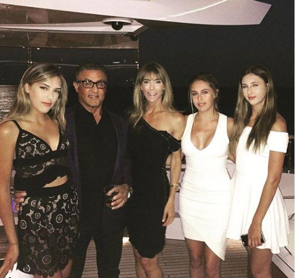 Sylvester Stallone are o familie frumoasă
