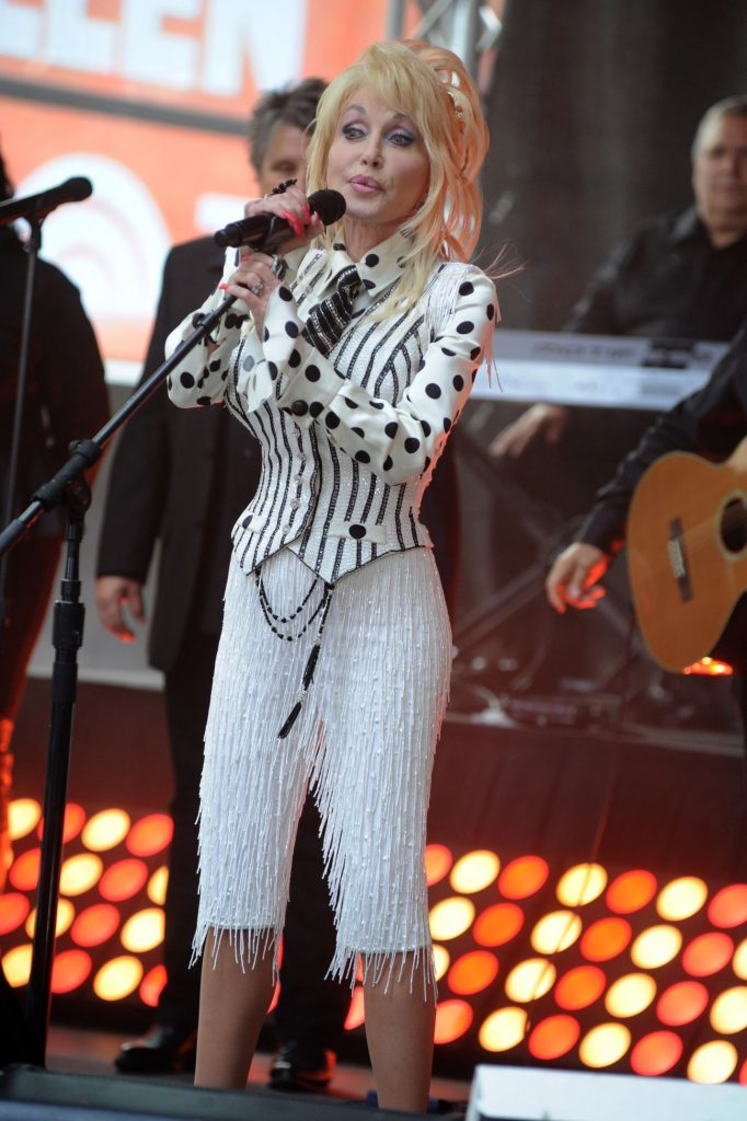 Dolly Parton pe scena
