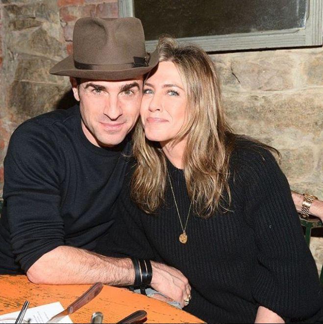 Zvonurile s-au adeverit. Jennifer Aniston a anunțat că divorțează. Se întoarce la Brad Pitt?