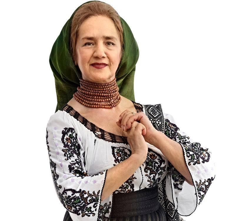 Sofia Vicoveanca va împlini anul acesta 77 de ani- Sofia Vicoveanca,, într-un costum popular