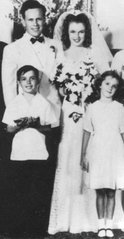 Marilyn Monroe mireasa, la 16 ani