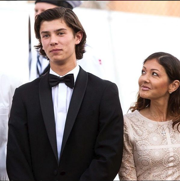 printul Nikolai si mama sa