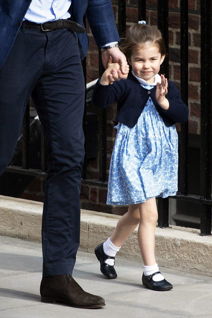 Prințesa Charlotte e fascinată de fratele ei mai mic, prințul Louis. Ce face în fiecare zi când se întoarce de la grădiniță