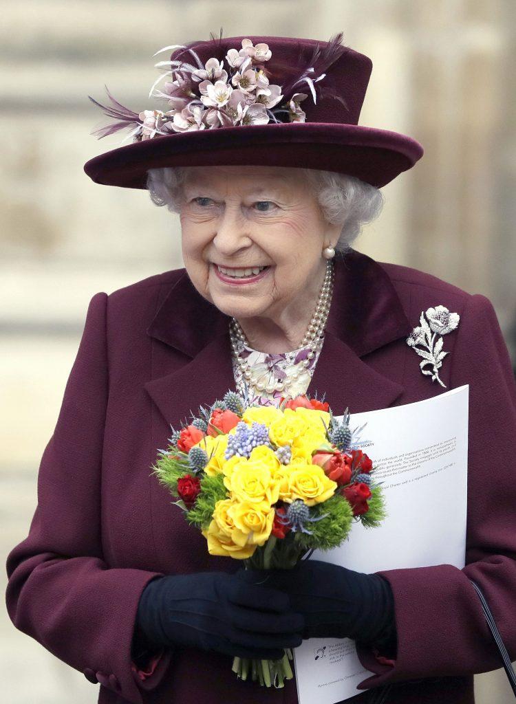 regina Elisabeta varsta riduri