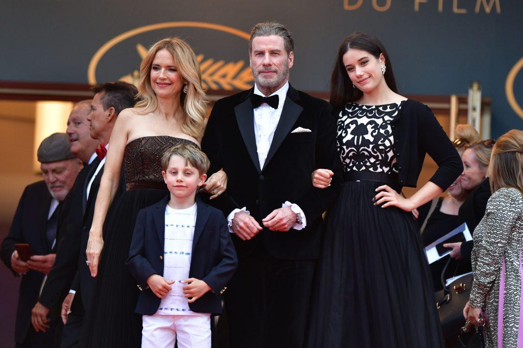 John Travolta si familia