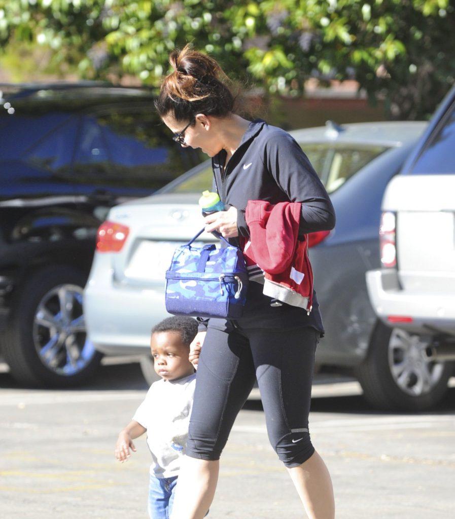Sandra Bullock si Louis