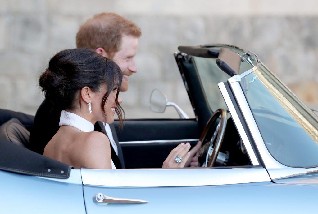 Cum s-au îmbrăcat Prinţul Harry şi Meghan Markle la recepţia de la Frogmore House. Ce s-a întâmplat la petrecerea mirilor