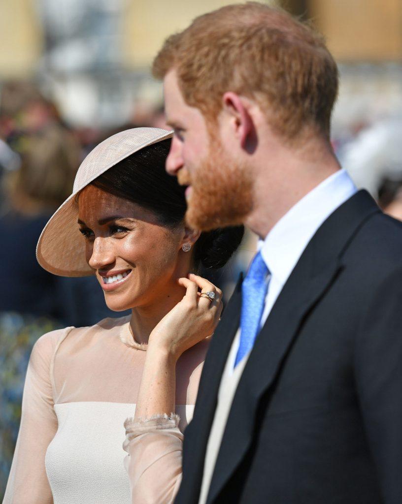 Fotografie nemaivăzută cu Prințul Harry și Meghan Markle. Regina o păstrează în camera de oaspeți a Palatului Buckingham. De ce e așa specială