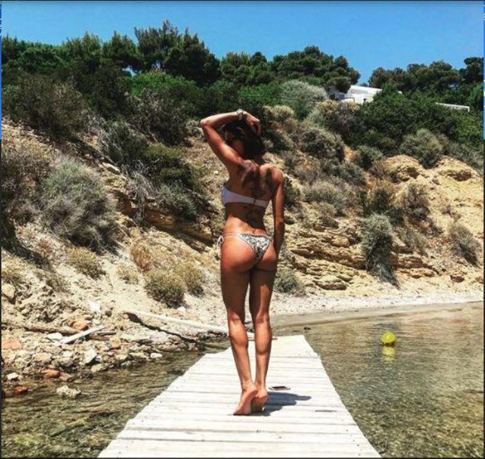 Alexandra Matei in costum de baie
