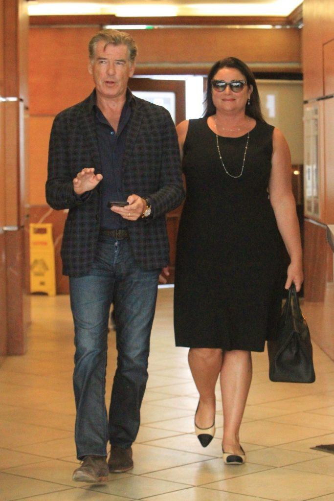 Pierce Brosnan cu sotia