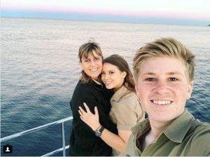 Terri si cei doi copii ai ei si ai lui Steve