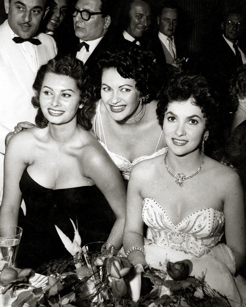 cu vedetele vremii, in 1954