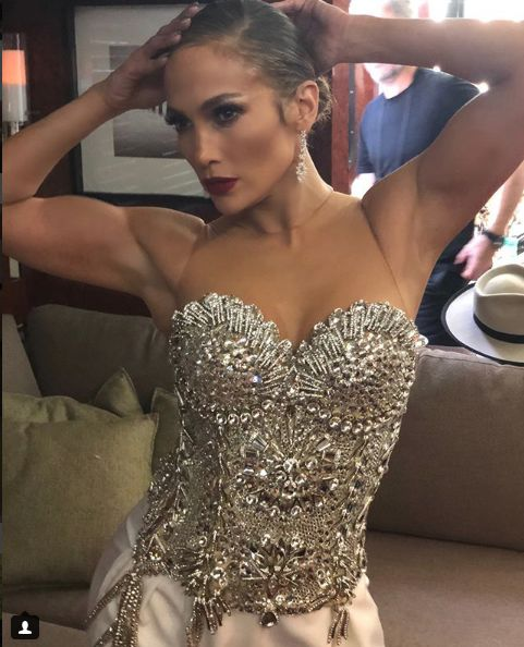 dovada ca Jennifer Lopez face mult sport