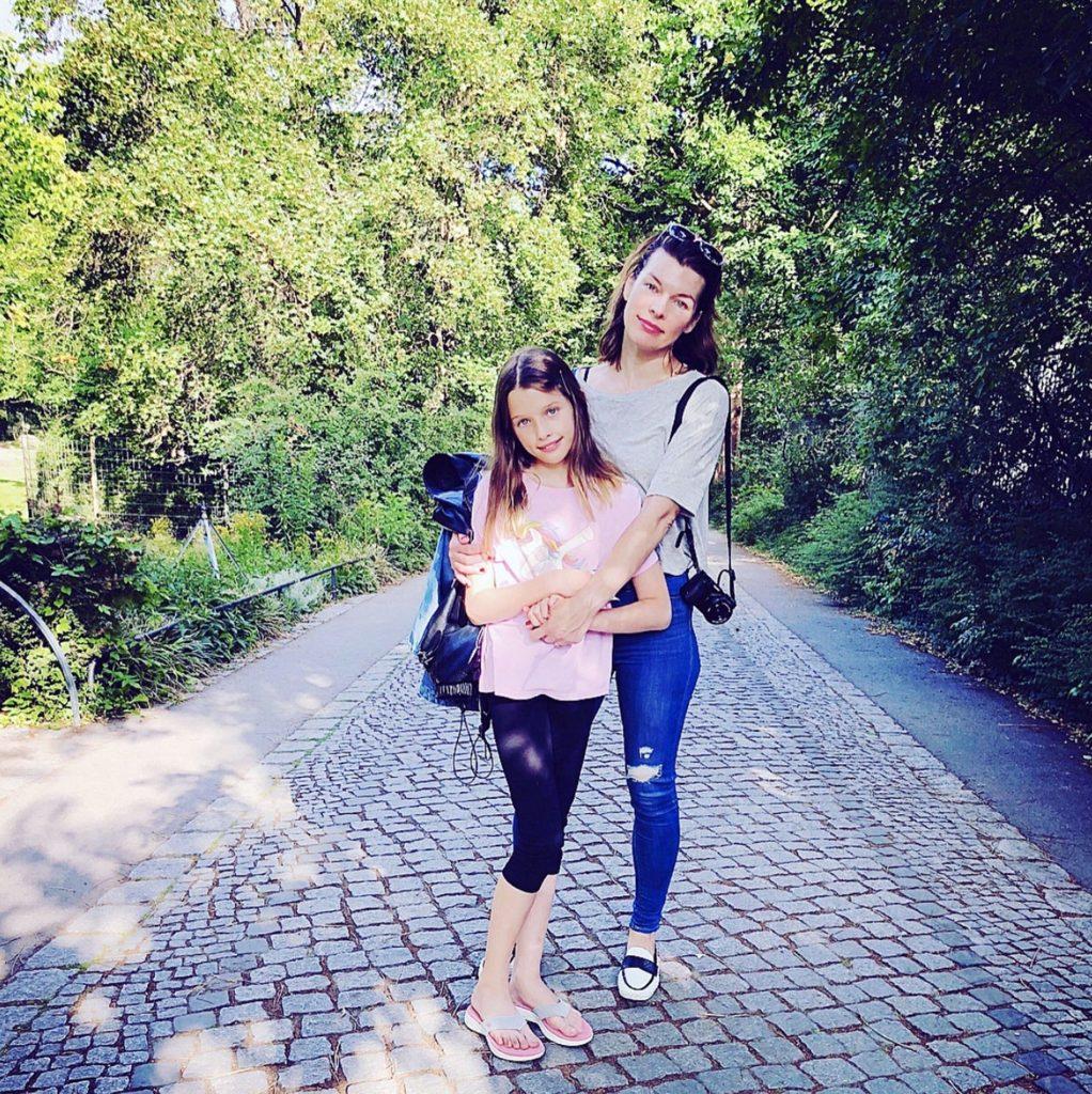 fiica cea mare a Millei Jovovich