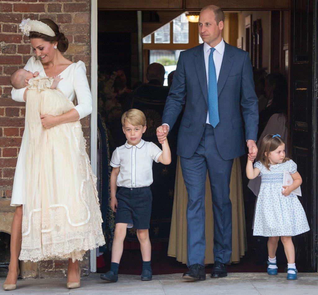 Le-au dat lacrimile! Ce s-a întâmplat la botezul prințului Louis. Anunțul făcut de palatul Kensington