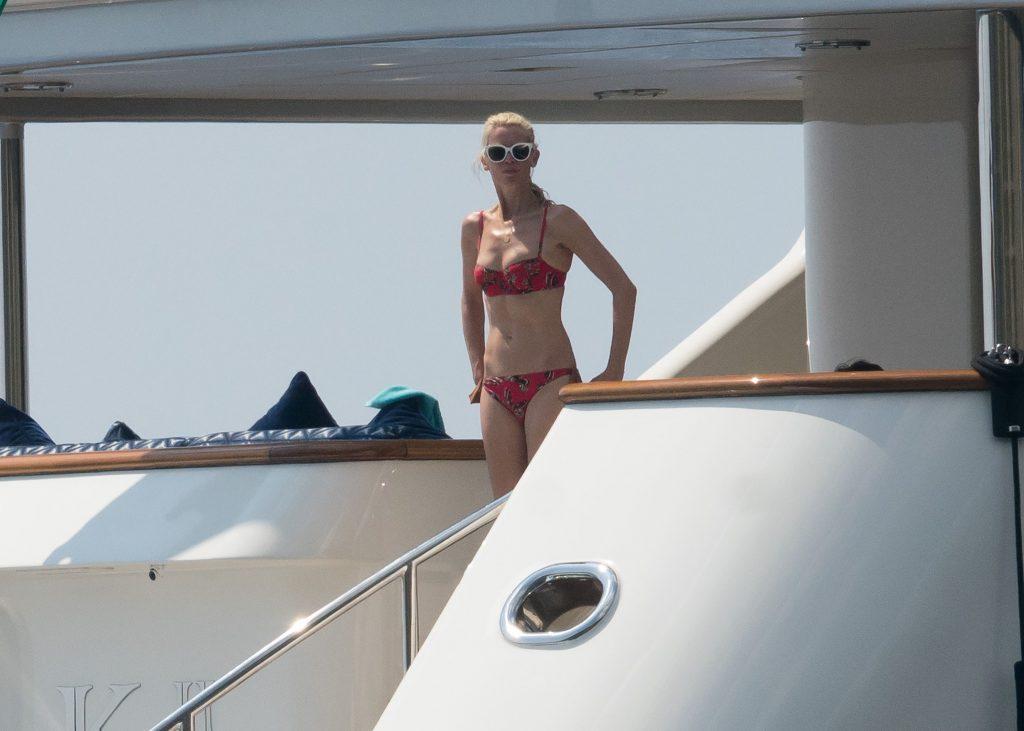 Claudia Schiffer, in vacanta in Italia