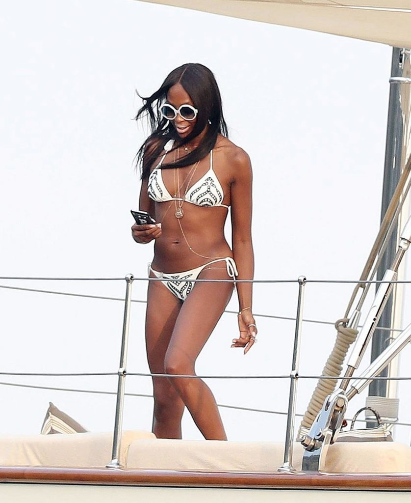 Naomi Campbell are 48 de ani