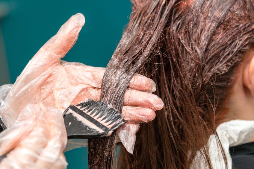 5 reguli de urmat când îți vopsești părul acasă