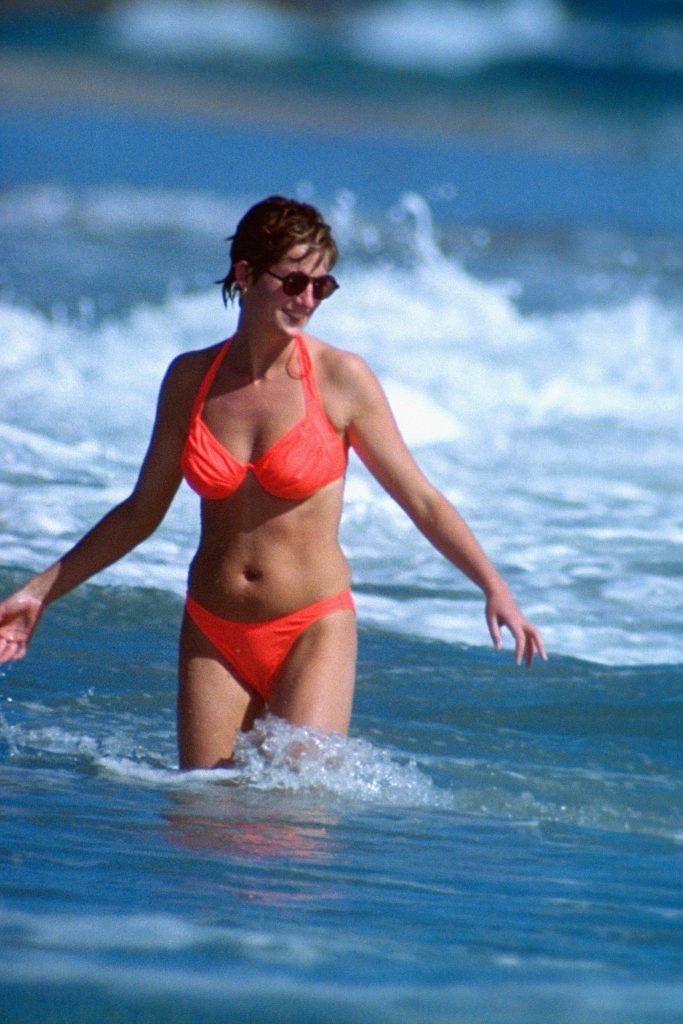 Diana era inca maritata cui Charles in 1993