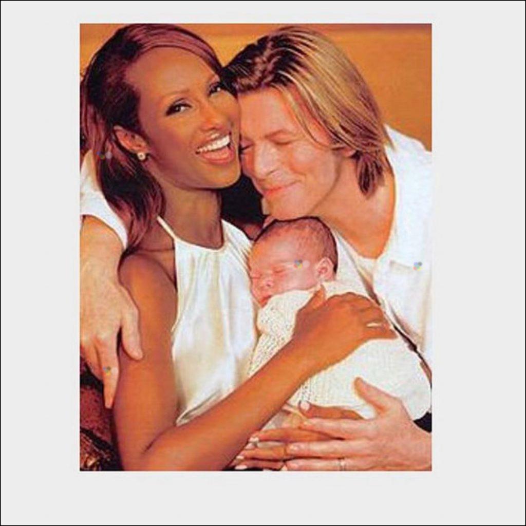 Cum arată fiica lui David Bowie și a fotomodelului Iman. A împlinit 18 ani și a făcut un gest emoționant în memoriatatălui ei