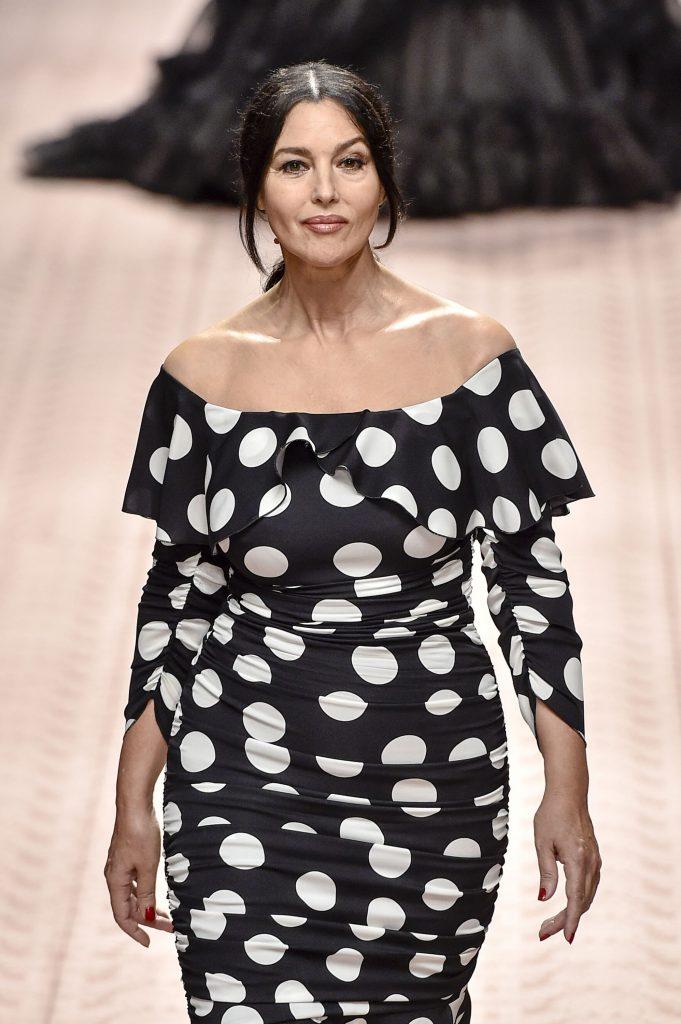 si la 53 de ani, Monica Bellucci e tot o femeie voluptoasa