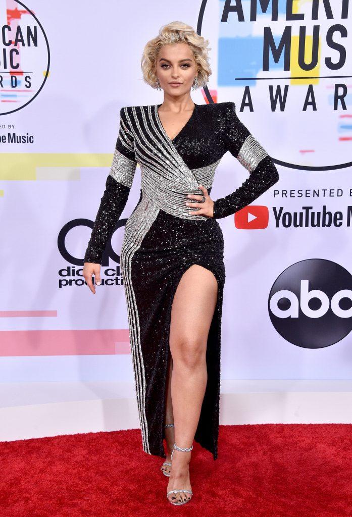 Bebe Rexha, tot intr-o rochie atipica